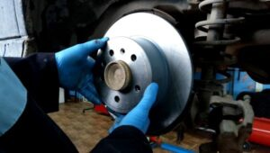 Kako zameniti kočioni disk